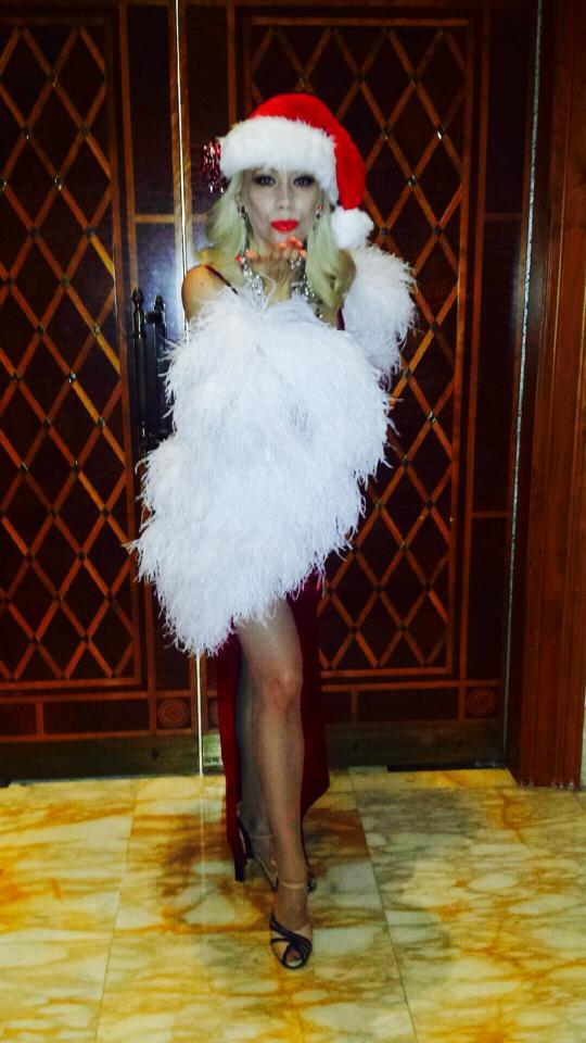 Marissa Burgess Xmas at Palazzo Versace